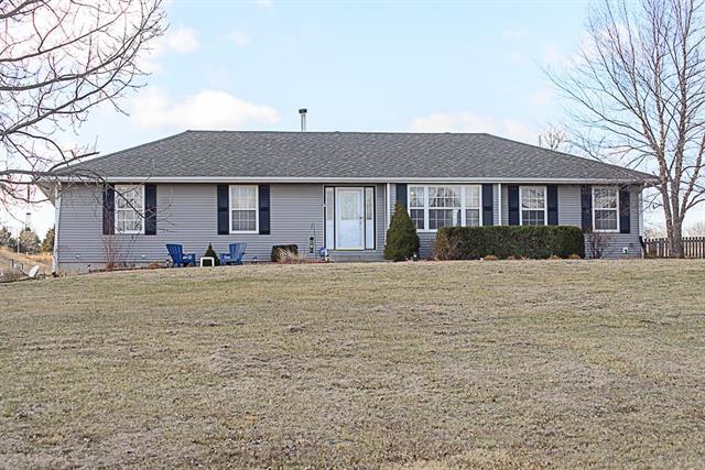 23142 S Cedar Niles Road, Spring Hill, KS 66083 (#2093663) :: The Shannon Lyon Group - ReeceNichols