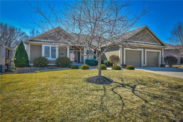 19605 E 18th Terrace, Independence, MO 64057 (#2093737) :: Edie Waters Team