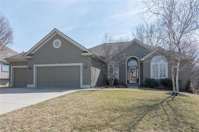 14275 NW 64th Terrace, Parkville, MO 64152 (#2093953) :: Edie Waters Team