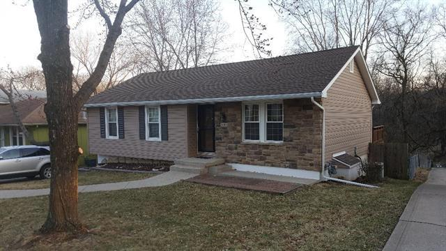 9401 NW 59th Terrace, Parkville, MO 64152 (#2093981) :: Edie Waters Team