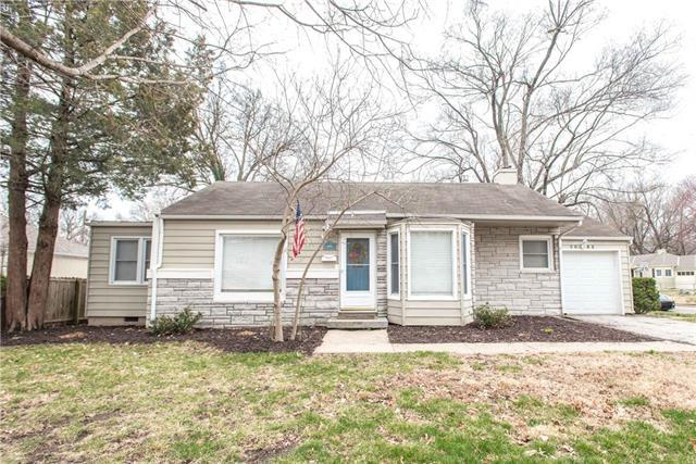 5217 W 51st Street, Roeland Park, KS 66205 (#2094075) :: Char MacCallum Real Estate Group