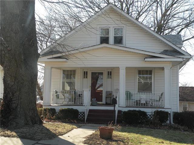 2102 Elm Street, Higginsville, MO 64037 (#2094086) :: Edie Waters Team
