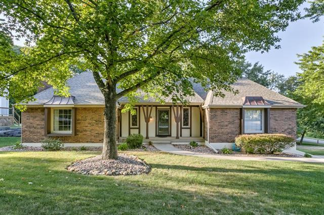 5421 NW 58th Terrace, Kansas City, MO 64151 (#2094095) :: Edie Waters Network