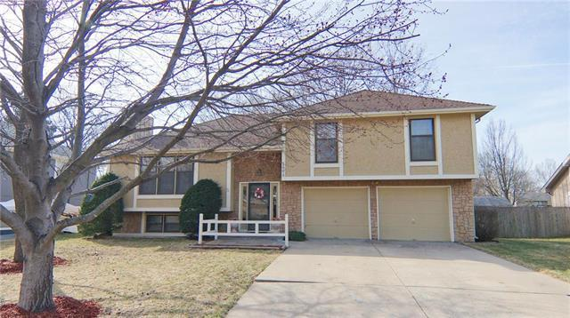 1009 NE Cedar Street, Lee's Summit, MO 64086 (#2094122) :: Edie Waters Team