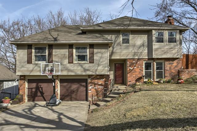 5813 NW Aspen Lane, Parkville, MO 64152 (#2094164) :: Tradition Home Group