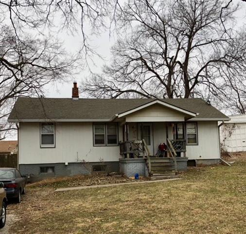 4404 N Jackson Avenue, Kansas City, MO 64117 (#2094370) :: Char MacCallum Real Estate Group