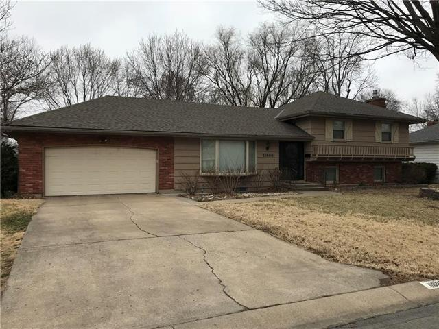 11806 E 61ST Terrace, Kansas City, MO 64133 (#2094383) :: HergGroup Kansas City