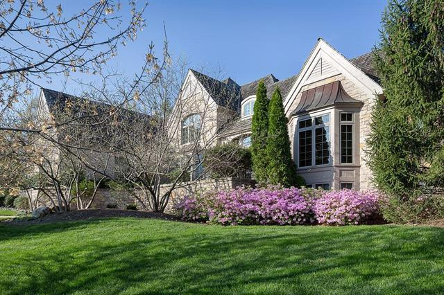 2608 W 112th Street, Leawood, KS 66211 (#2094393) :: Char MacCallum Real Estate Group