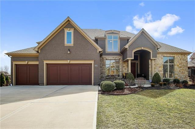 9605 W 150th Street, Overland Park, KS 66221 (#2094860) :: Tradition Home Group