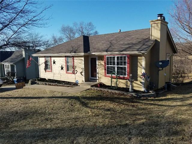 1456 NW Foxboro Road, Blue Springs, MO 64015 (#2094909) :: Edie Waters Team