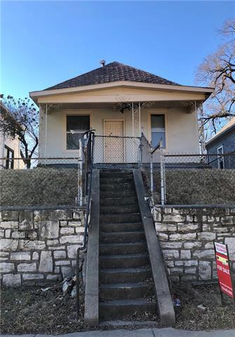 945 Ohio Avenue, Kansas City, KS 66101 (#2094946) :: Edie Waters Team