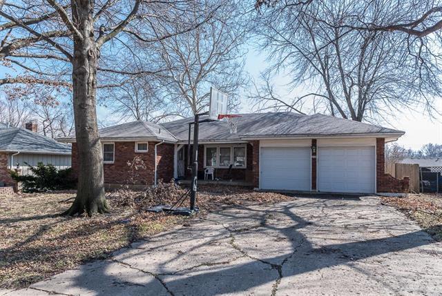 5429 Oliver Street, Kansas City, KS 66106 (#2094971) :: Edie Waters Team