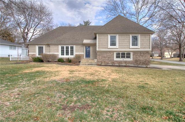 9209 Roe Avenue, Prairie Village, KS 66207 (#2095018) :: Tradition Home Group