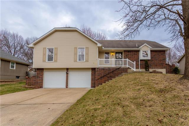3900 SW 10th Street, Blue Springs, MO 64015 (#2095037) :: Tradition Home Group