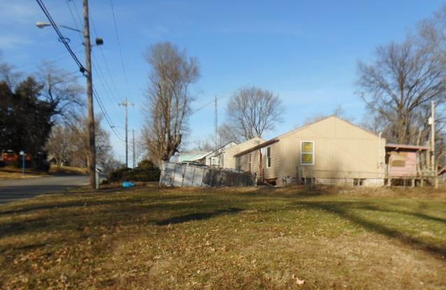 3316 Mellier Avenue, Kansas City, KS 66104 (#2095055) :: Edie Waters Team