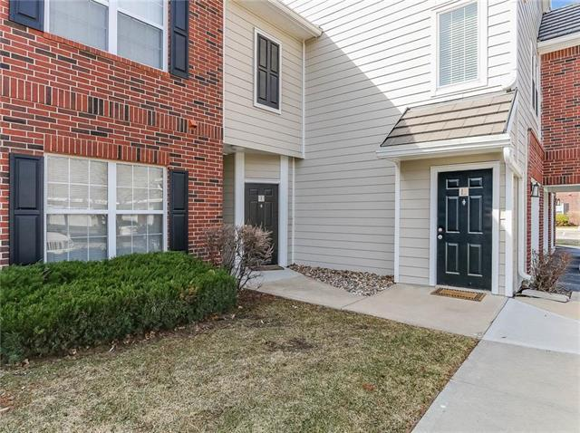 11626 Tomahawk Creek Parkway L, Leawood, KS 66211 (#2095057) :: Tradition Home Group