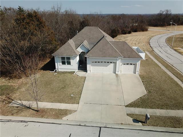 6715 Woodside Avenue, Kansas City, MO 64133 (#2095067) :: Tradition Home Group