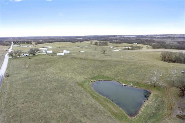 11195 SE West Road, Edgerton, MO 64444 (#2095453) :: Edie Waters Team