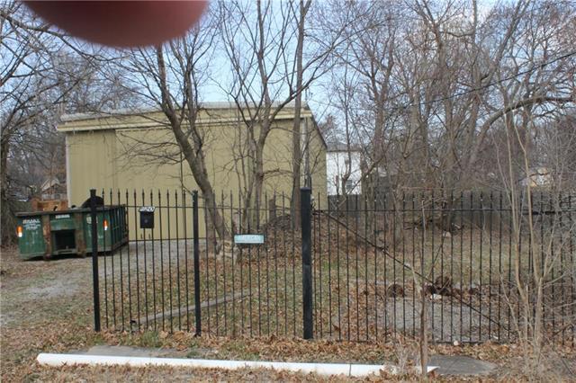 201 Walnut Street, Cleveland, MO 64701 (#2095460) :: Edie Waters Team