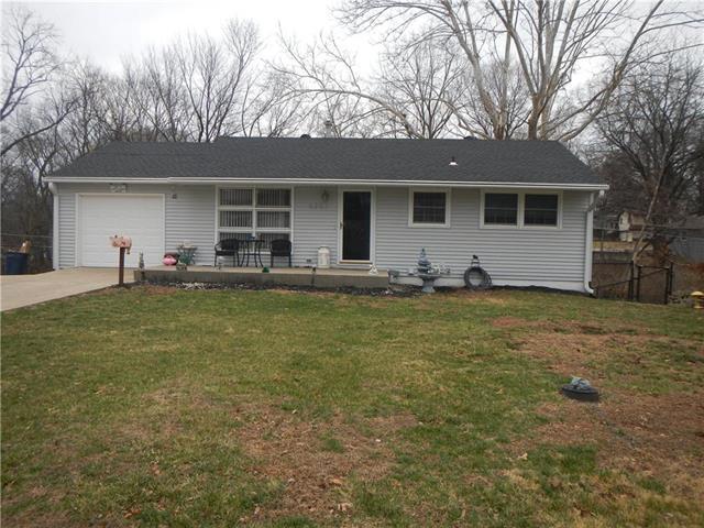 6351 Rowland Avenue, Kansas City, KS 66104 (#2095482) :: Edie Waters Team