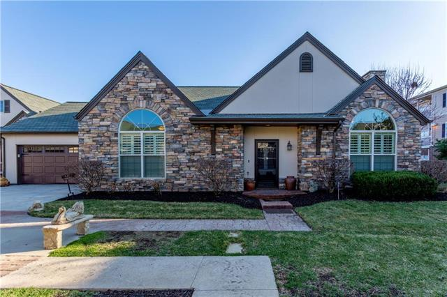 13148 Goodman Street, Overland Park, KS 66213 (#2095737) :: The Gunselman Team