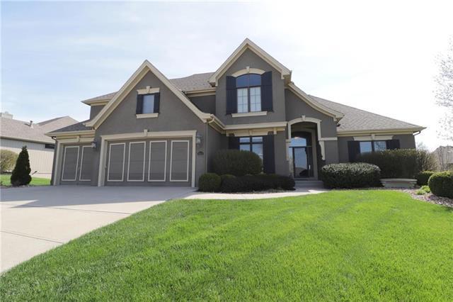10223 N Garfield Avenue, Kansas City, MO 64155 (#2095785) :: Char MacCallum Real Estate Group