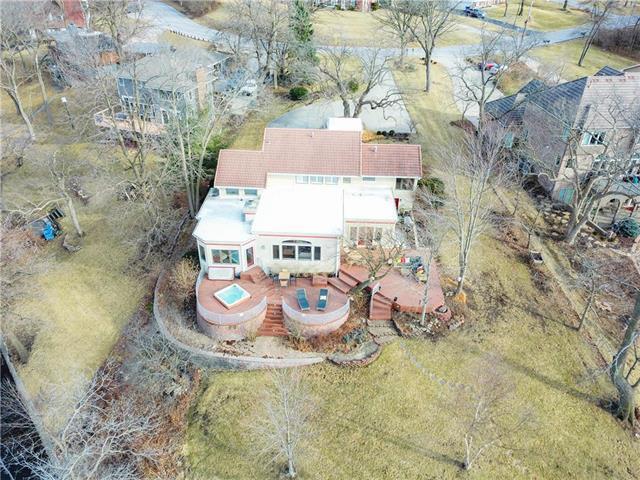 7606 NW Eastside Drive, Weatherby Lake, MO 64152 (#2095910) :: NestWork Homes