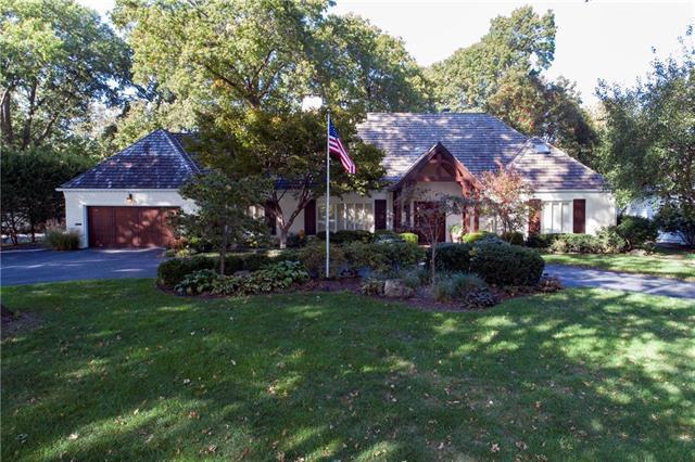 3040 W 68th Street, Mission Hills, KS 66208 (#2096067) :: Edie Waters Team