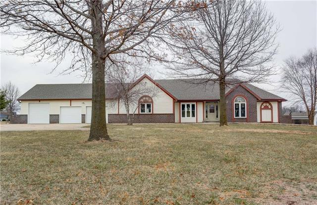 14975 NW Skyview Avenue, Smithville, MO 64089 (#2096085) :: Edie Waters Team