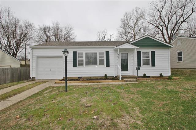 806 Broad Street, Warrensburg, MO 64093 (#2096245) :: Dani Beyer Real Estate
