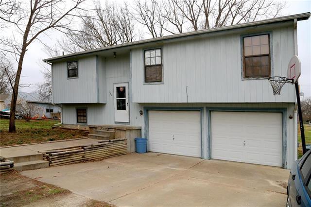 105 Jefferson Street, Pomona, KS 66076 (#2096345) :: House of Couse Group