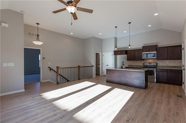 21810 W 123rd Terrace, Olathe, KS 66061 (#2096558) :: NestWork Homes