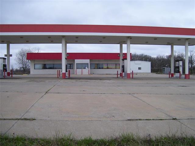 946 S Highway 69 Highway, Fort Scott, KS 66701 (#2096774) :: Char MacCallum Real Estate Group