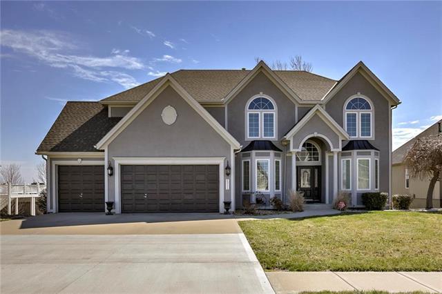 6215 N Cypress Avenue, Kansas City, MO 64119 (#2096850) :: The Shannon Lyon Group - ReeceNichols