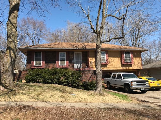 7920 E 117th Place, Kansas City, MO 64134 (#2096994) :: Edie Waters Network