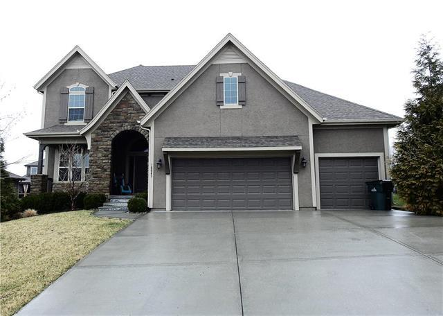 16643 S Marais Drive, Olathe, KS 66062 (#2097824) :: Edie Waters Network