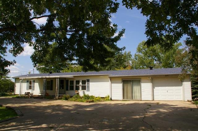 10495 Kaw Lane, Ozawkie, KS 66070 (#2097951) :: Edie Waters Network