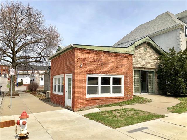 1201 Jules Street, St Joseph, MO 64501 (#2098178) :: Char MacCallum Real Estate Group