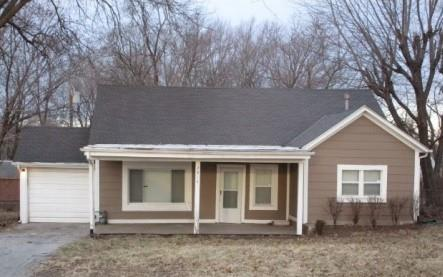 2914 S Claremont Avenue, Independence, MO 64052 (#2098249) :: Edie Waters Network