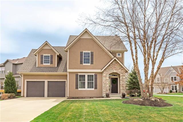 6047 Theden Street, Shawnee, KS 66218 (#2098253) :: Char MacCallum Real Estate Group