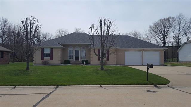 520 Meadowlark Drive, Clinton, MO 64735 (#2098981) :: The Shannon Lyon Group - ReeceNichols