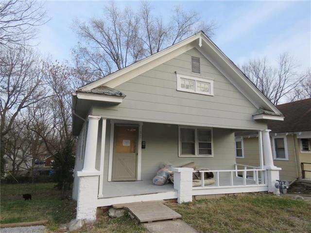 2533 Cypress Avenue, Kansas City, MO 64127 (#2099086) :: Edie Waters Network