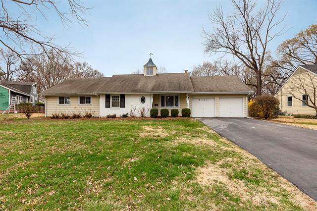 8346 Reinhardt Street, Prairie Village, KS 66206 (#2099470) :: Char MacCallum Real Estate Group