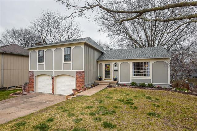 11605 W 99th Terrace, Overland Park, KS 66214 (#2099531) :: Kedish Realty Group at Keller Williams Realty