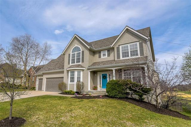 10007 Redbud Lane, Lenexa, KS 66220 (#2099593) :: The Tina Team