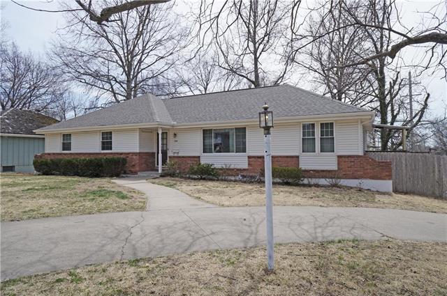 11601 E 61st Terrace, Raytown, MO 64133 (#2099647) :: HergGroup Kansas City