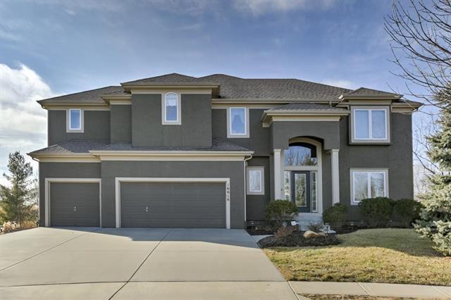 16616 Birch Street, Stilwell, KS 66085 (#2099795) :: Char MacCallum Real Estate Group
