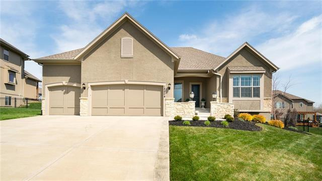 18804 W 99 Street, Lenexa, KS 66220 (#2099915) :: Char MacCallum Real Estate Group