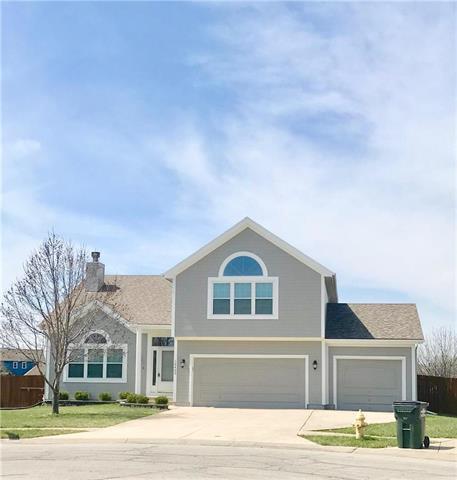 18400 S Juniper Circle, Gardner, KS 66030 (#2100054) :: Char MacCallum Real Estate Group