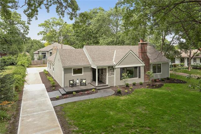 2512 W 90th Street, Leawood, KS 66206 (#2100177) :: No Borders Real Estate